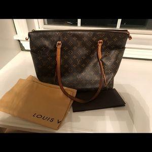 Louis Vuitton Totally MM Handbag
